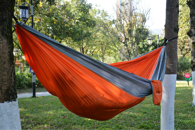 CHERAINTI Parachute Nylon Hammock with Ropes & Carabiners
